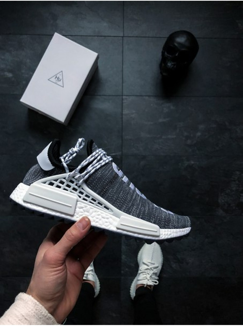 sports shoes e31f1 1dbad Кроссовки Adidas Human Race NMD x Pharrell Williams «Oreo»