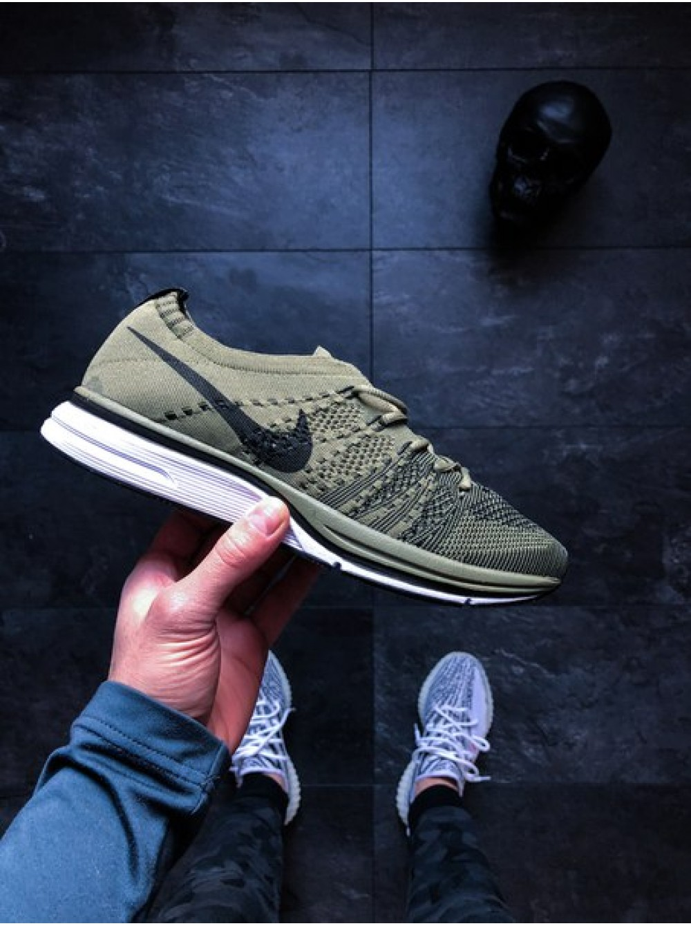 new arrival 9e3ac f64ab Кроссовки Nike Flyknit Trainer (Medium Olive  Black — White)
